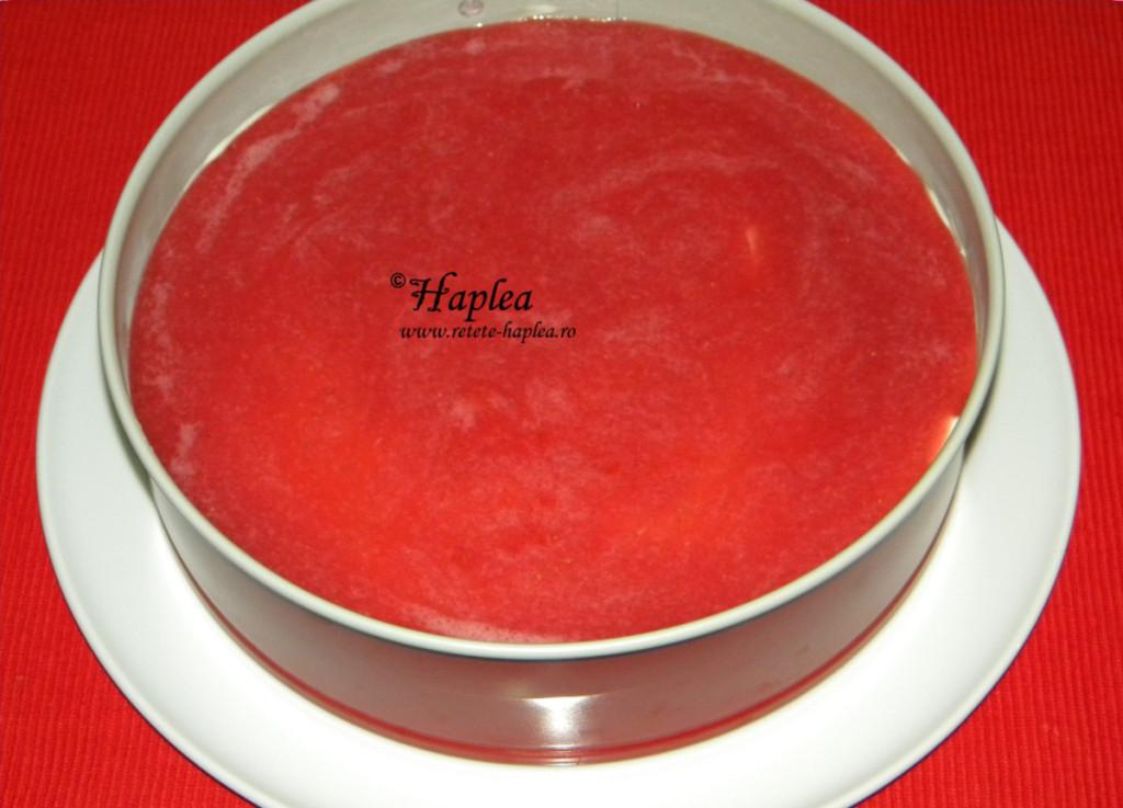 cheesecake cu jeleu de capsuni poza 10
