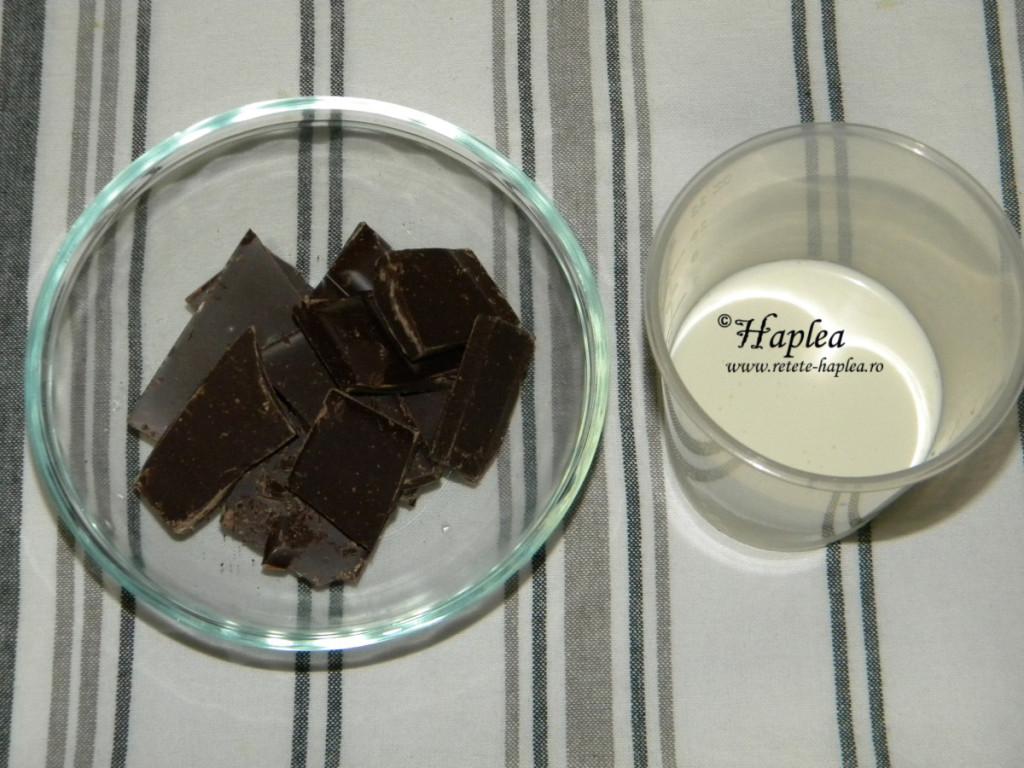 chec imbracat in ciocolata poza 7