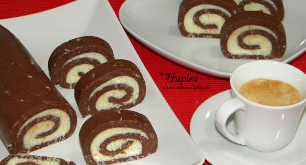 rulada de biscuiti cu crema de unt poza final