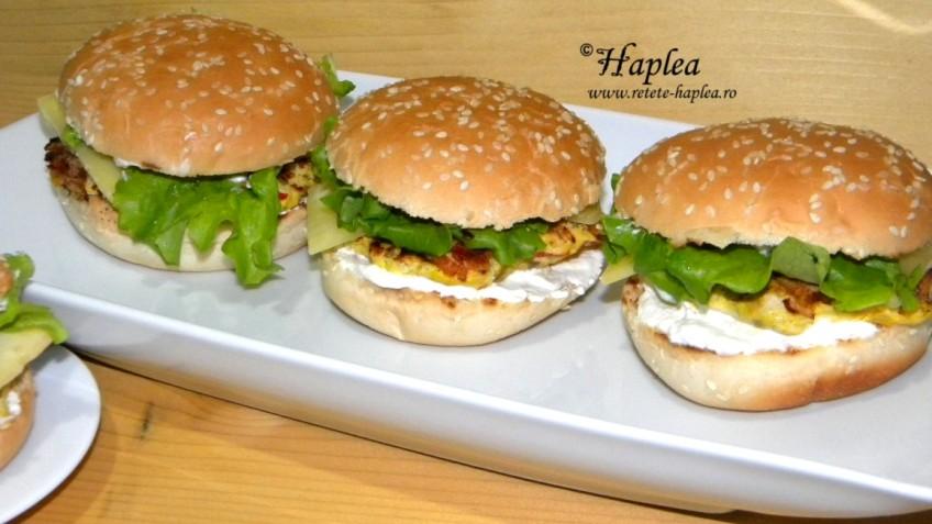cheeseburger_de_pui facut
