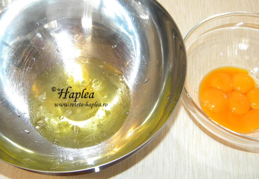 prajitura pufoasa cu fructe de padure poza 2