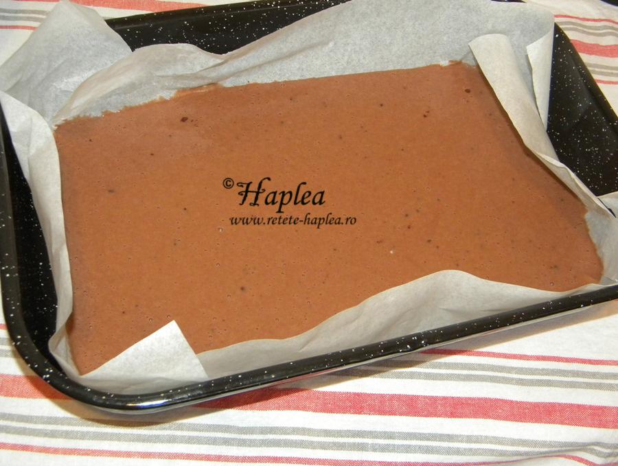 prajitura turnata cu prune si cacao poza 5