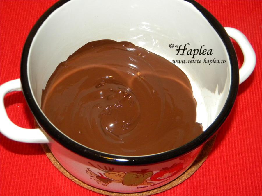 tort-de-biscuiti-cu-crema-mascarpone-poza-4