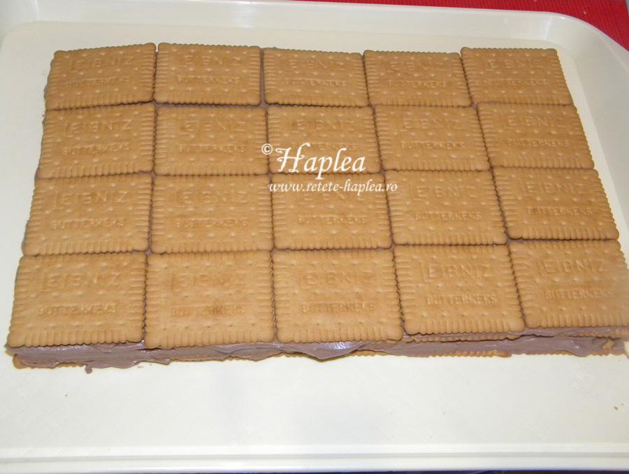 tort-de-biscuiti-cu-crema-mascarpone-poza-9