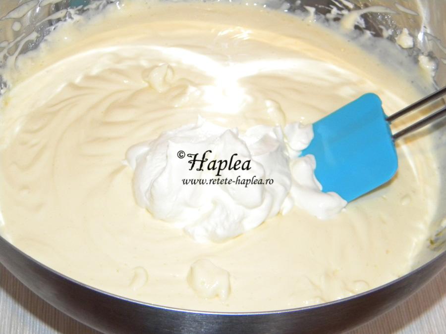 cheesecake cremos cu sirop de afine de padure poza 4