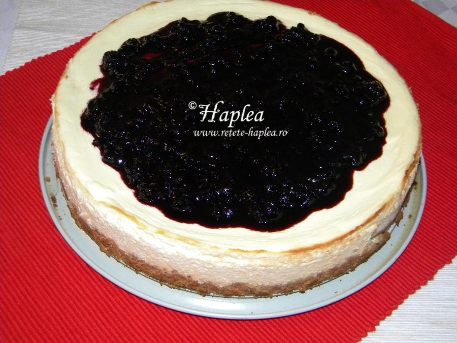 cheesecake cremos cu sirop de afine de padure poza 7