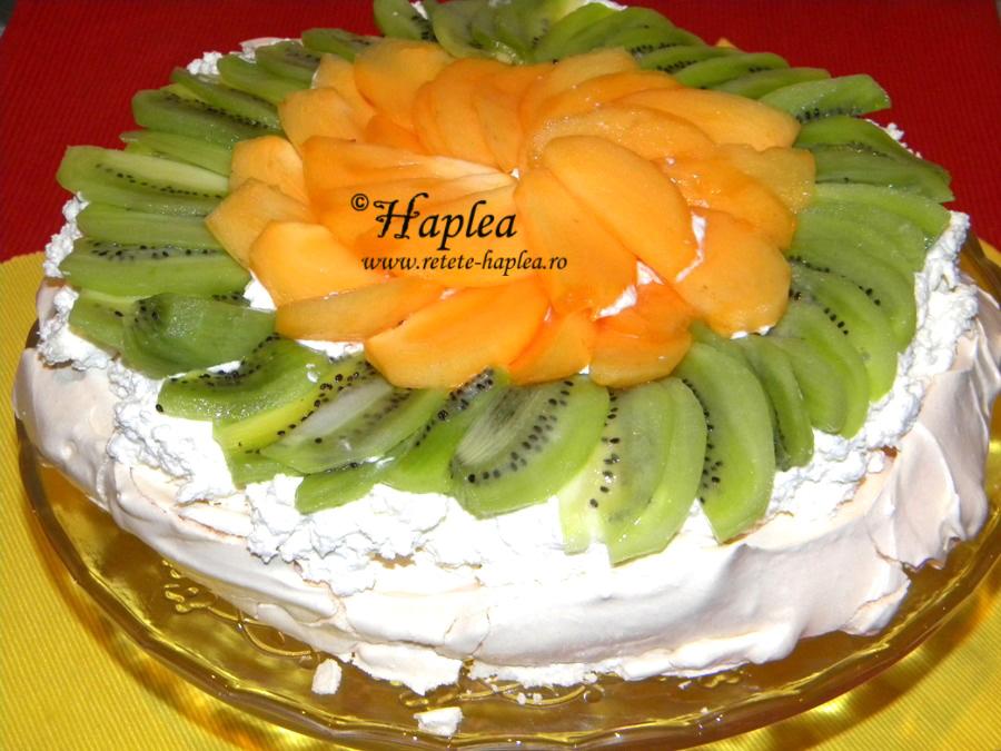 tort pavlova cu crema de mascarpone