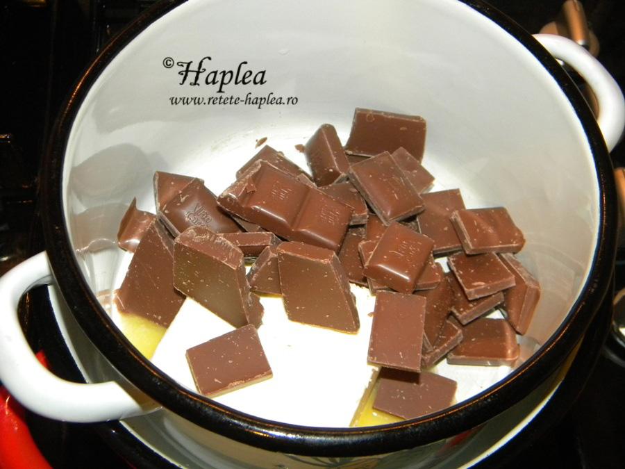 brownies cu crema de branza si visine poza 2