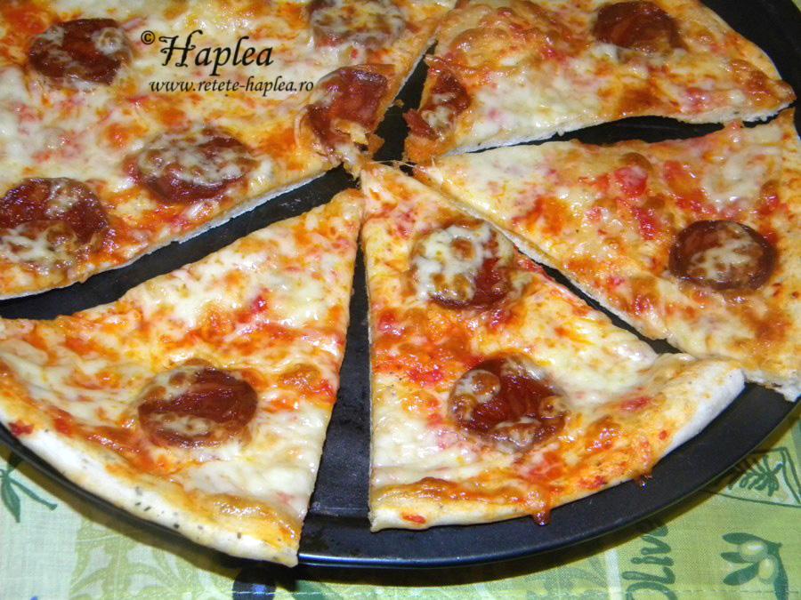 pizza cu salam chorizo