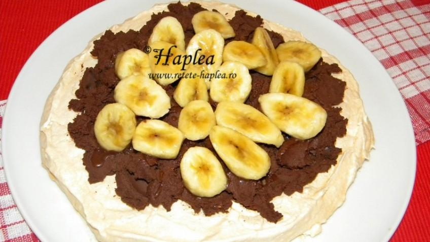 pavlova cu ganache de ciocolata si banane poza final