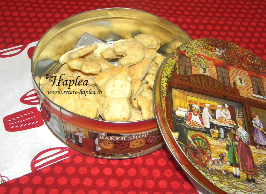 biscuiti pufosi cu branza dulce