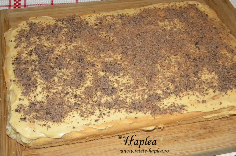 prajitura cu crema fina de caramel si mascarpone poza 8