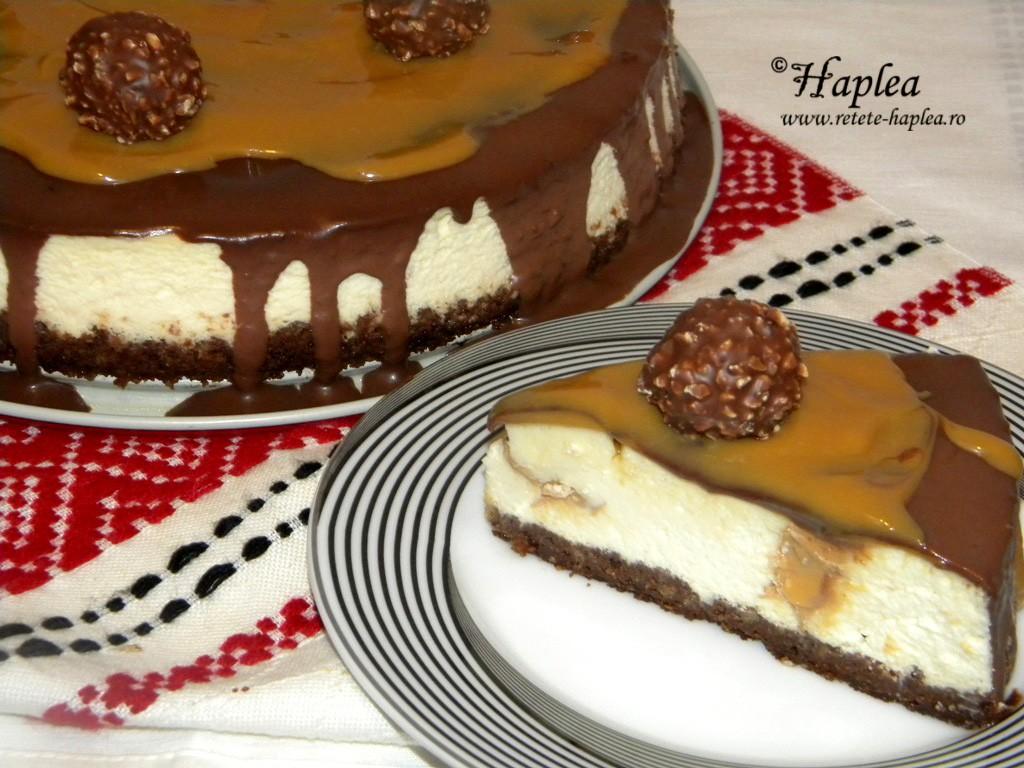 cheesecake cremos cu caramel si ciocolata