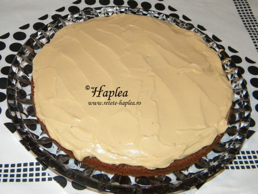 tort ciocolatos cu crema caramel poza 12