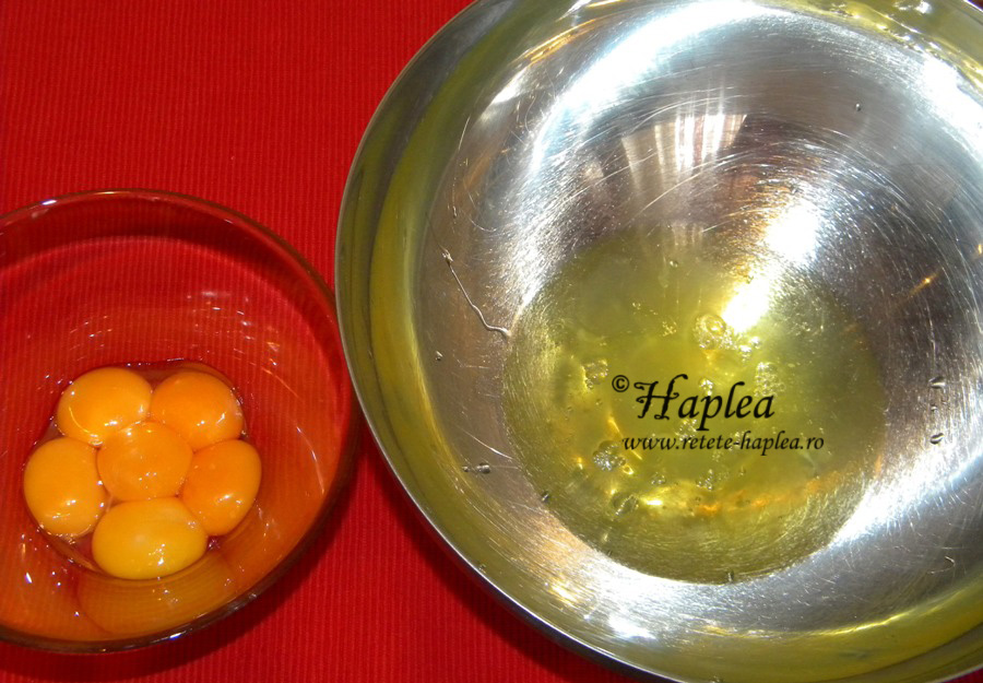 prajitura cu crema din lapte condensat si topping de fructe poza 4