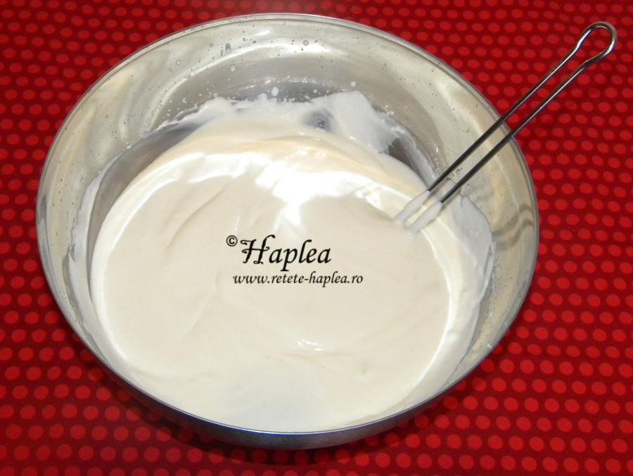 prajitura fara coacere cu iaurt si fructe tropicale poza 4
