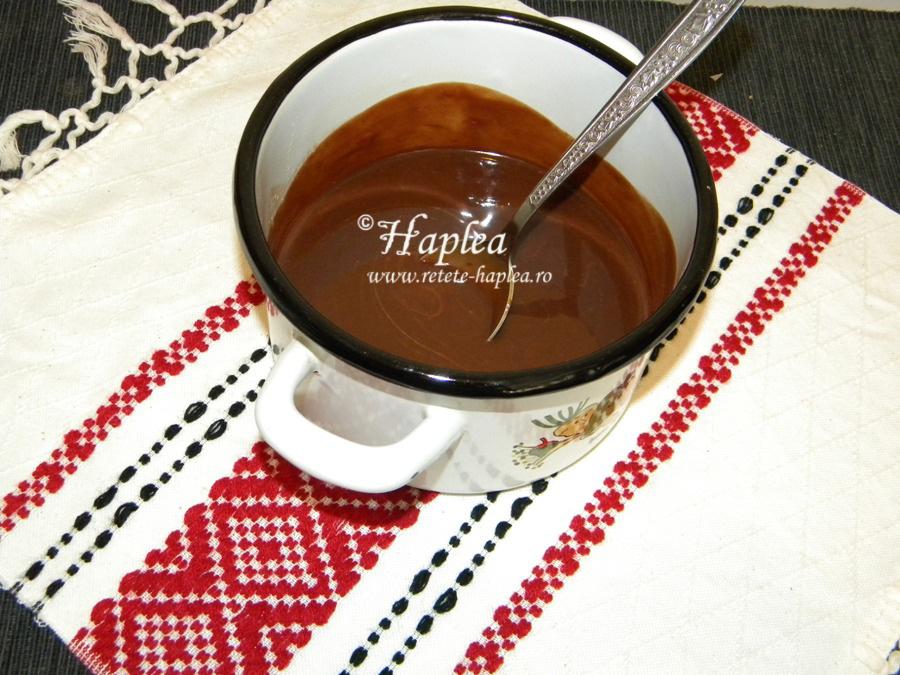 negresa ciocolatoasa cu nuci poza 2