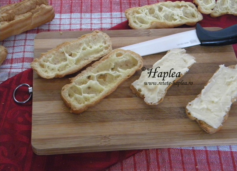 eclere cu crema de vanilie si glazura de cioolata 4
