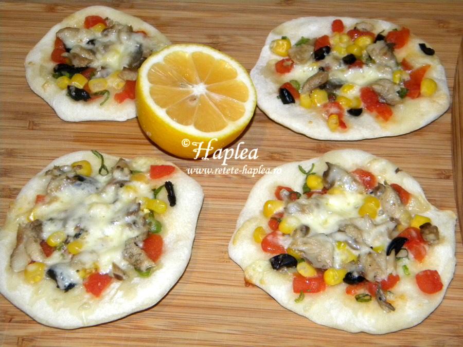 mini pizza cu file de hering