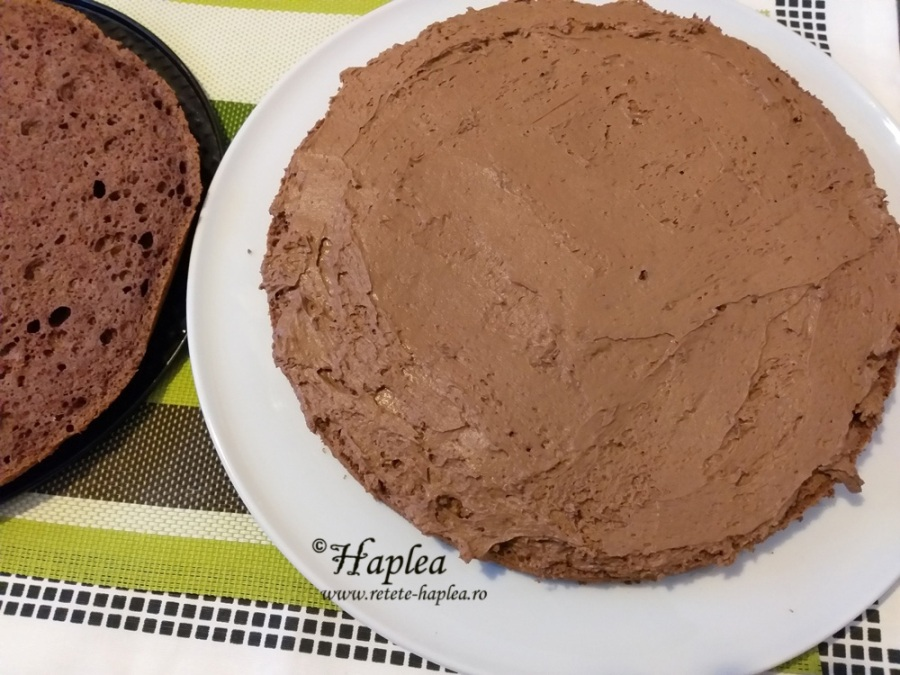 tort cu blat de cacao si ganache de ciocolata poza 8