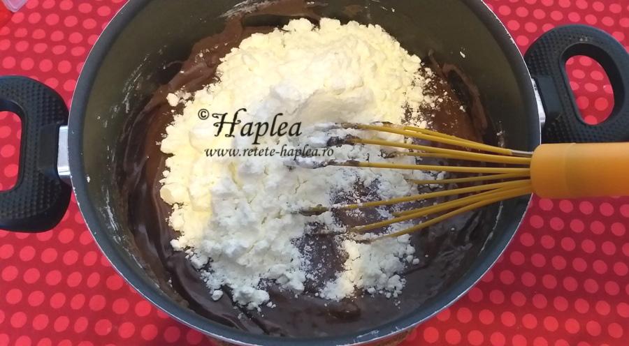ciocolata de casa cu oreo si caramel poza 3