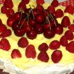 tort pavlova cu crema de vanilie